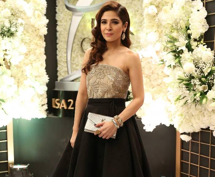 Ayesha Omer - the most beautiful Pakistani women in the world