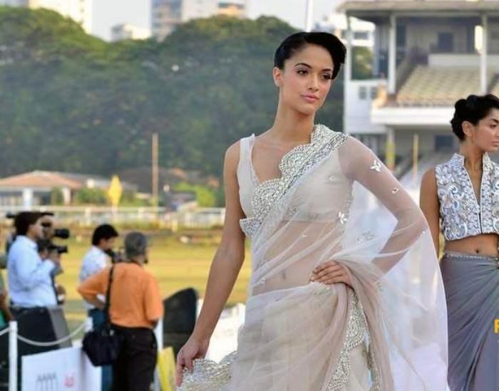 Angela Jonsson's best Ho****ttest Indian female models