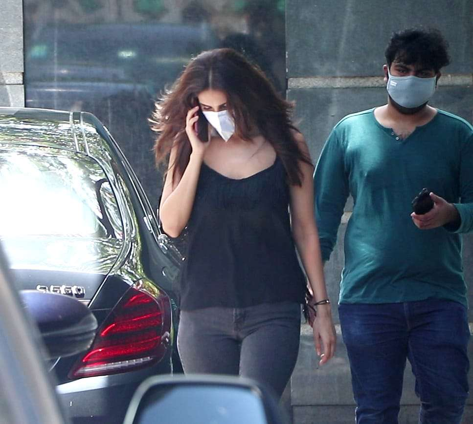 Pictures: Vaani gets picked up in the city