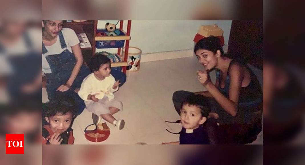 Sushmita shares a throwback pic with daughter