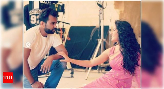 Ali shares of the series of BTS pics with Katrina