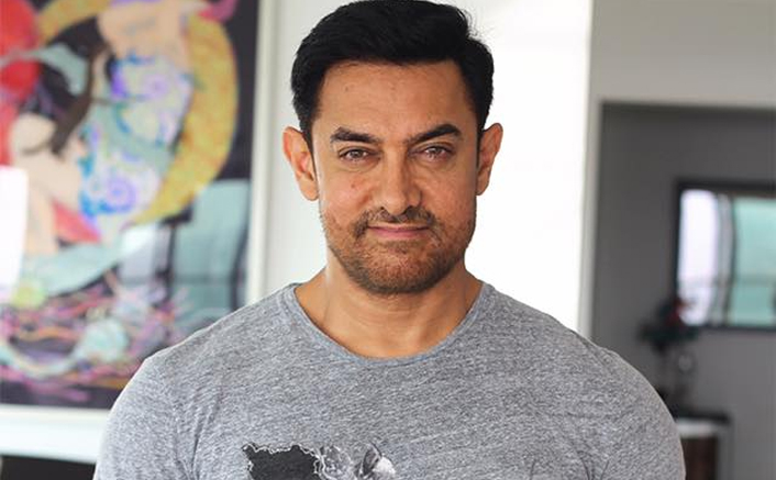 आमिर खान ने अपने शिक्षक सुहास लिमये की मृत्यु के बारे में हार्दिक टिप्पणी लिखी